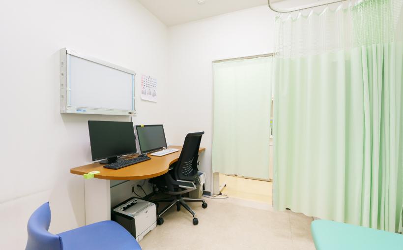 東京八重洲クリニックでの外来診察室