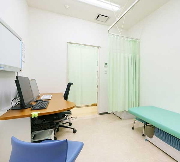 東京八重洲クリニック診察室